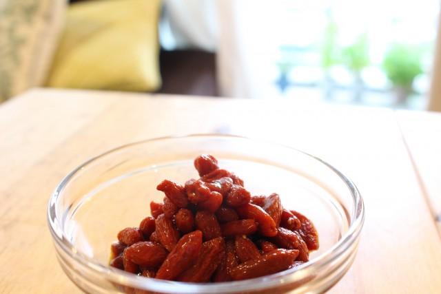 クコの実はバルサミコ酢漬けにすると、美味しく食べらえます