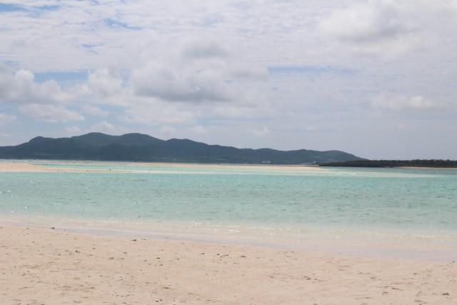 久米島にある「はての浜」。とっても綺麗な海と真っ白なビーチ